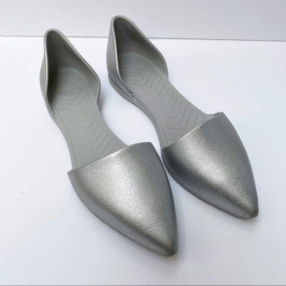 Native Audrey d'Orsay Silver Pointy Toe Flats US10